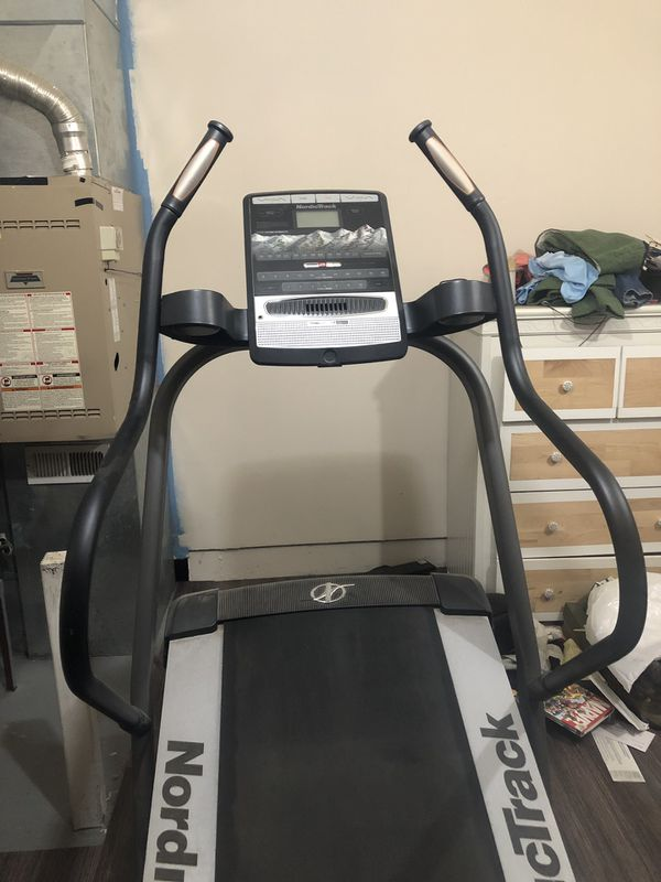 Nordictrack incline treadmill lightly used