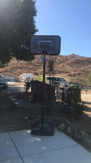 basketball hoop for Sale in Wildomar, CA