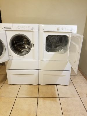 GE WASHER AND ELECTRIC DRYER 90 DAYS WARRANTY FREE DELIVERY AND INSTALLATION for Sale in Glendale, AZ