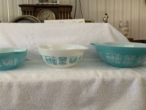 4 piece Pyrex mixing bowls for Sale in Columbia, TN
