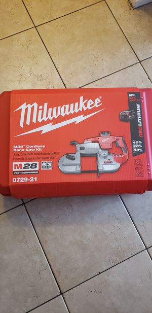 Milwaukee m28 cordless band saw kit for Sale in Las Vegas, NV