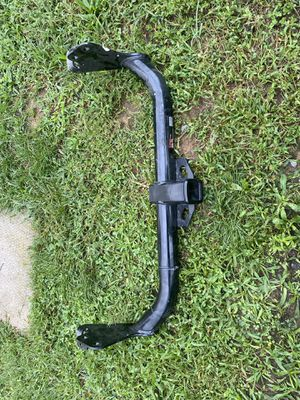 CURT 13079 Class 3 Trailer Hitch, 2-Inch Receiver for Sale in Shippensburg, PA