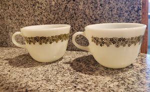 2 pyrex mugs for Sale in Ontario, CA