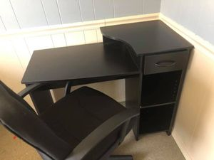 Desk and chair for Sale in Rock Stream, NY