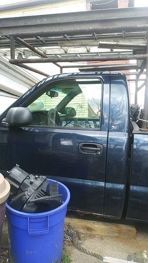 Chevy Silverado 2005 for Sale in Braddock, PA