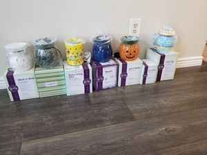 New Scentsy's Warmers in Box for Sale in Layton, UT