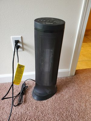 Honeywell slim ceramic tower heater for Sale in Anchorage, AK