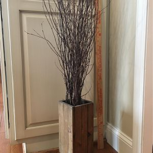 Wood Base With Thin Sticks Decoration for Sale in Williamsport, PA