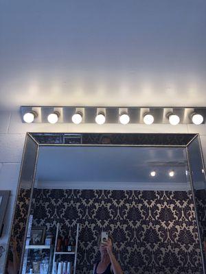 2 light vanity fixtures. Like new. for Sale in Marina del Rey, CA