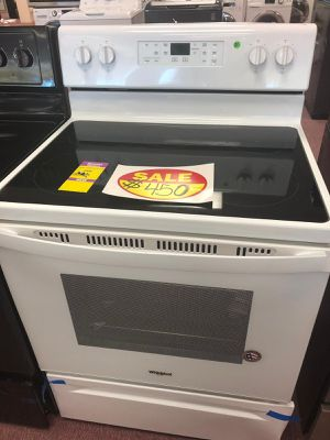Electric stove whirlpool white,brand new,scratch and dents Appliances depot (Comercial Blvd) for Sale in Fort Lauderdale, FL