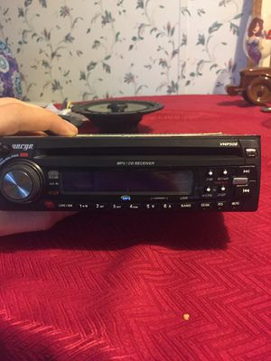 Car/truck radio and speakers for Sale in PA, US
