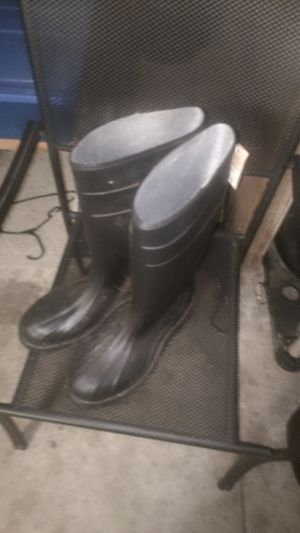 Rubber boots for Sale in Watauga, TX