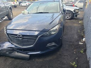 Mazda 3 for part out 2015 for Sale in Miami Gardens, FL