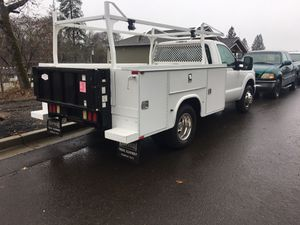2013 F350 service truck with electric tommy lift for Sale in Medford, OR