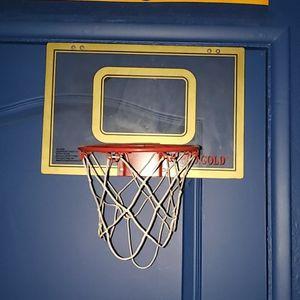Pro Gold Basketball Hoop For Door for Sale in San Bernardino, CA