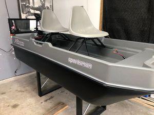 Sundolphin Sportsman 8 Two Person Fishing Boat for Sale in San Antonio, TX