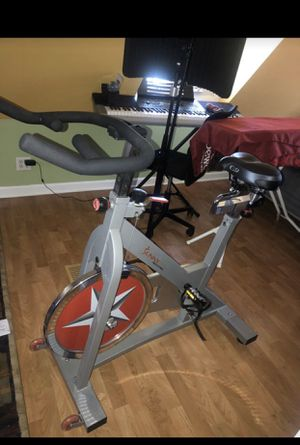 Sunny health fitness bike for Sale in Chicago, IL