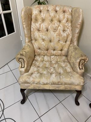 Antique arm chair for Sale in Miami, FL
