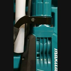 MAKITA CORDED VARIABLE SPEED 35 LB. DEMOLITION HAMMER..........PRECIO FIRME........FIRM PRICE........ for Sale in Riverside, CA