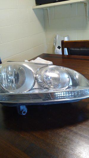 2009 VW JETTA RIGHT HEADLIGHT for Sale in Richmond, VA