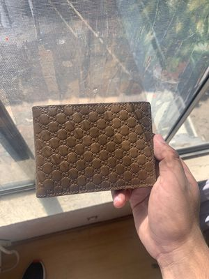 Gucci Men's leather wallet for Sale in Santee, CA