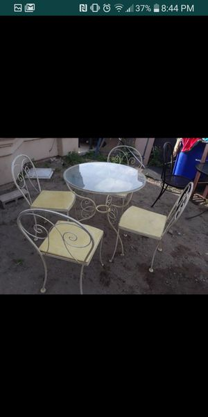 Patio set for Sale in Fontana, CA