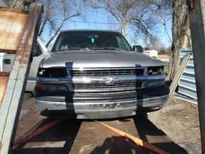 2001 Chevy Suburban for Sale in Hutchinson, KS