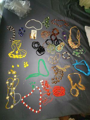 Ton of Costume Jewelery / Dress up Jewelery for Sale in Las Vegas, NV