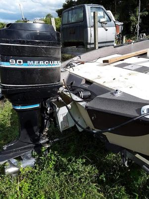 Stratos bass boat 18ft for Sale in Kenneth City, FL