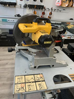 DEWALT MITER SAW WITH RIDGID TABLE for Sale in Riverside, CA