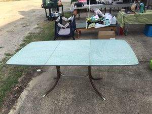Vintage kitchen table for Sale in Monroe, NC