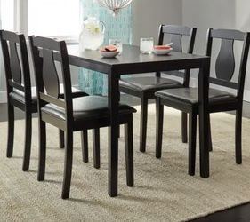 Dining Room Table Perfect For A Small Space for Sale in Revere,  MA