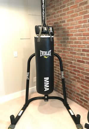 As new condition Everlast punchbag & stand for Sale in Englewood, CO