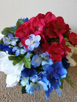 Red White and Blue Flowers in Glass Vase for Sale in Sunnyvale, CA
