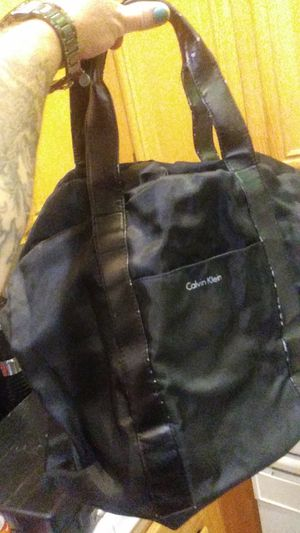 Calvin klein duffle bag for Sale in Lancaster, CA