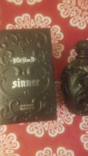KatVonD Sinner. Full bottle used maybe 1 or 2 times. Paid $60 and it is literally still full. for Sale in Alexandria, LA
