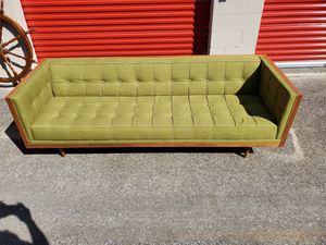 Woodrow Mid century Modern box sofa for Sale in Brentwood, TN