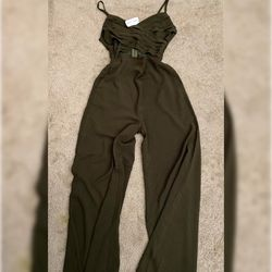 NEW Forest Green Jumpsuit for Sale in Fresno,  CA