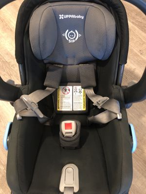 2018 uppababy car seat with base/ infant insert for Sale in West Hollywood, CA