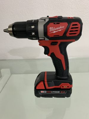 "Milwaukee M18 1/2"" Drill Driver with 2.0ah battery for Sale in Miami, FL"