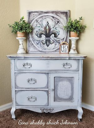 Antique Rustic Entryway Table or Dresser for Sale in Port Charlotte, FL