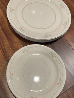 "Seven Corelle 10"" Diameter dinner Plates And Matching Eight 7""plates ! for Sale in Lisle,  IL"