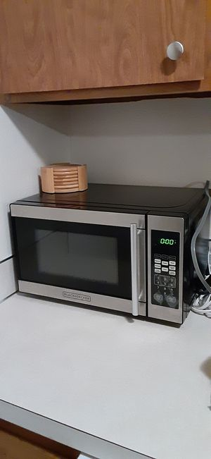 Microwave $8 for Sale in Lynnwood, WA