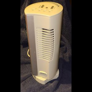 Seville Oscillating Tower Fan (1' Tall) for Sale in Las Vegas, NV