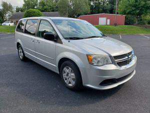 2011 Dodge Grand Caravan clean Carfax and title runs great for Sale in Murfreesboro, TN