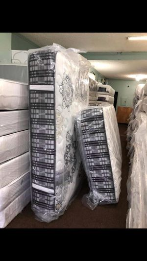 Mattress and box spring for sale for Sale in Clarksville, MD
