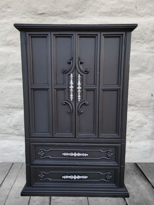 Dresser armoire for Sale in Bloomington, CA