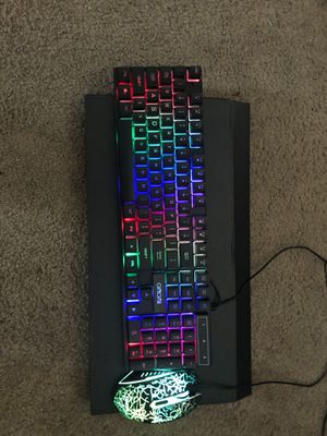 Full rgb gaming mouse and keyboard set for Sale in Chico, CA