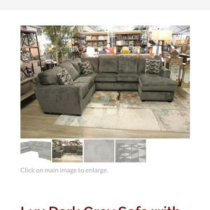 Old Cannery Couch....perfect Condition for Sale in Auburn, WA