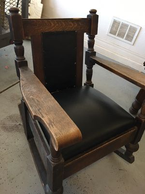 All wood rustic pegged chairs and table for Sale in Chandler, AZ